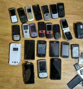 Продам телефоны на запчасти.какие то рабочие.