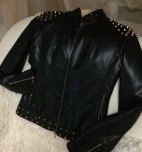 Куртка новая размер L