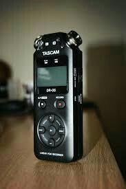 Диктофон tascam dr-05 v2