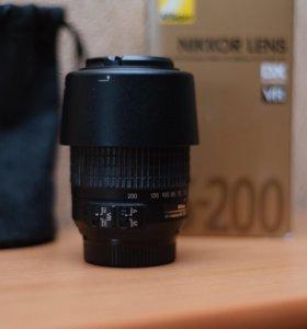 объектив NIKKOR AF-S DX 55–200mm f/4–5.6G ED VR
