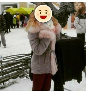 Утепленное зимнее пальто.