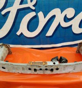 Усилитель бампера Форд Фокус 2