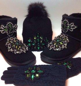 Угги, шапка и перчатки с зелёным узором