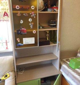 Книжный шкаф для ребенка