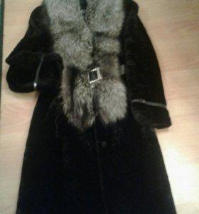 Пальто из мутона с чернобуркой и шапка