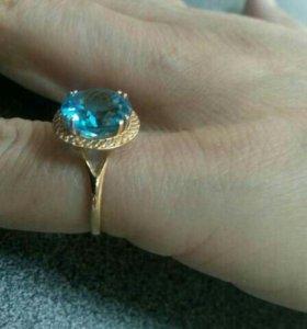 Золотое кольцо с тапазом