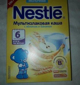 Nestle мультизлаковая каша с яблоком и бананом