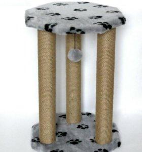 Когтеточка с тремя столбами