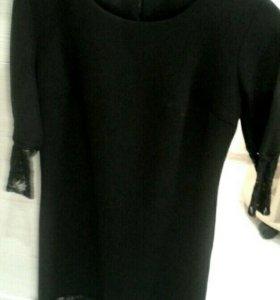 Платье черное с гипюровыми вставками