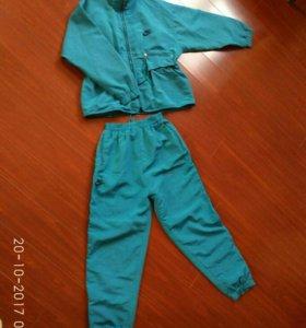 Nike спорт.костюм, 140-146 размер