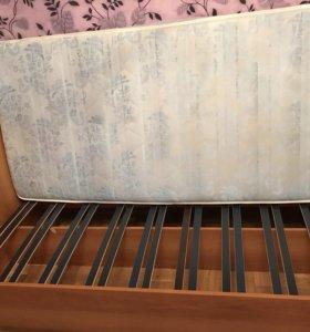 Кровать с матрацем.размер 900*2000