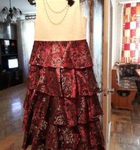 Платье шикарное рост 140