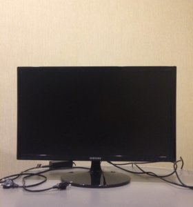 Full HD монитор Samsung 61см