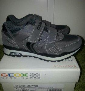GEOX кроссовки новые. Размер 31