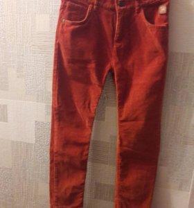 Вельветовые брюки на ребенка. Новые.