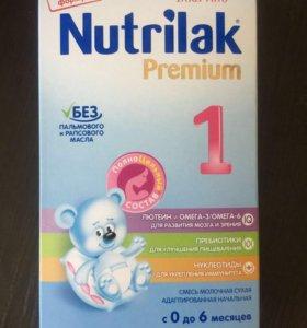 Молочная смесь Nutrilak Premium