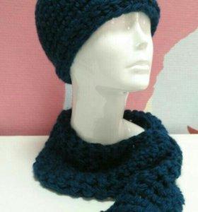 Женский гарнитур: шапка и шарфик.