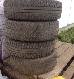 Комплект колёс  ❄️❄️❄️❄️ в сборе R15 ( шипы)