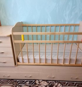 Детская кроватка-маятник