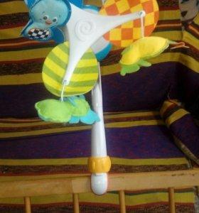 Музыкальная игрушка на кроватку