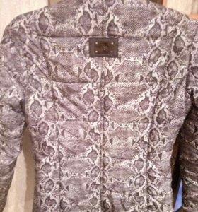 Куртка женскпя
