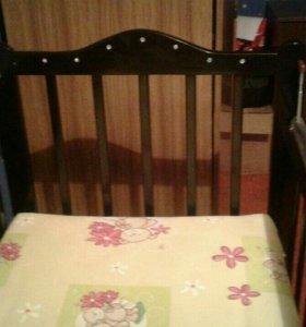 Кроватка-качалка со стразами.