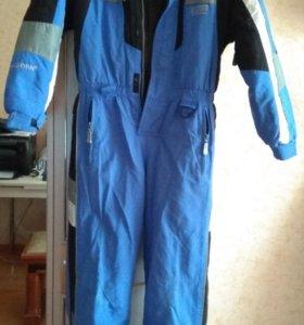 Продам зимний комбинезон для сноуборд. и лыжников