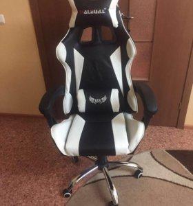 Кресло геймер с массажем новое