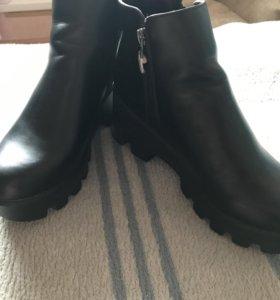 Женские ботинки р 40