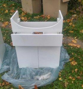 Тумба в ванную с выдвижным верхним ящиком.