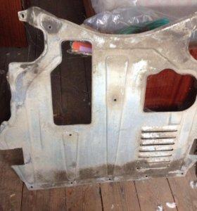 Пыльник двигателя на ваз 2110 ,12