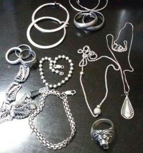 Кольца, браслеты, сережки, подвески из серебра.
