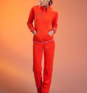 Новый велюровый костюм (Испания)
