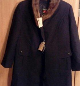 Пальто шерстяное новое