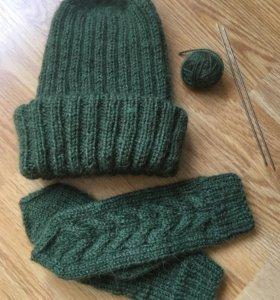 Вязанная шапка и варежки
