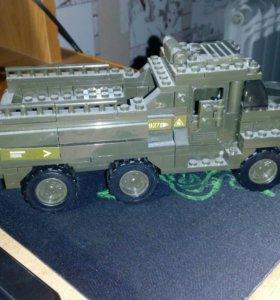 Лего военная машинка Sluban