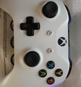 Геймпад Microsoft Xbox ONE S белый