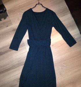 Трикотажное платье DKNY