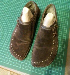 Ботинки Clarks ,замшевые 36 размер
