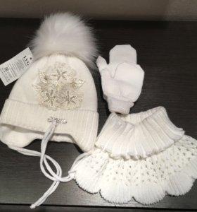 Новый комплект Зимняя шапка, манишка, варежки