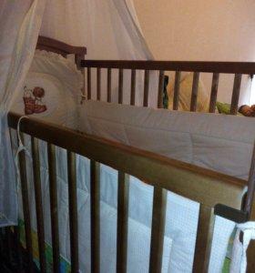 Кроватка детская,качалка.