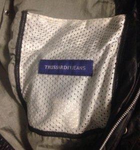 Демисезонная куртка TRUSSARDI