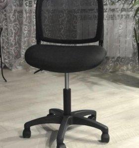 Компьютерный стул ( новый)