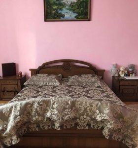 Кровать с тумбами