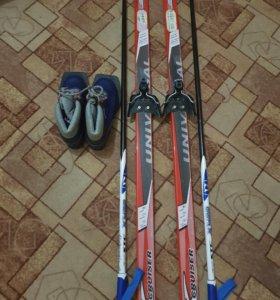 Лыжи 150см и ботинки 32р.