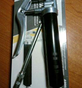 Шприц для консистентной смазки Ombra A90024
