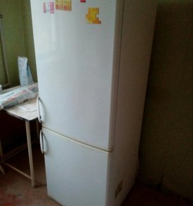 Холодильник двухкамерный Kaiser б/у