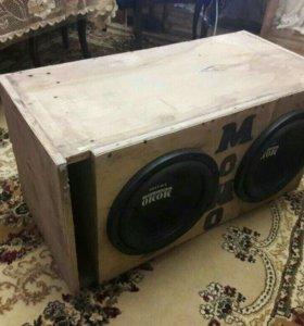 Momo басовик UB-1200