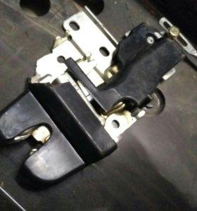 Для митсубиси лансер 9 замок крышки багажника