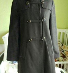 Продам шерстяное пальто, 46 р